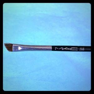 MAC Cosmetics 268 Synthetic Duo Angle Fibre Brush